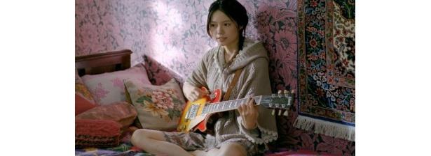 CMで「リンダ リンダ」を熱唱する宮崎あおい