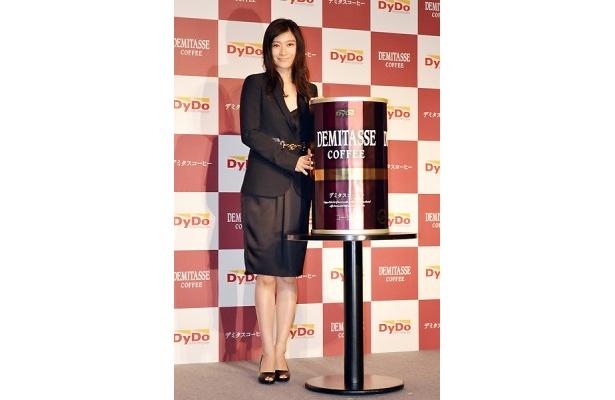 篠原涼子さんがCMキャラクターを務めた缶コーヒーが発売!