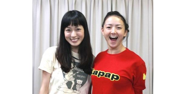演劇ユニット「類類~Lui Lui~」及川奈央、久下恵美(左から)