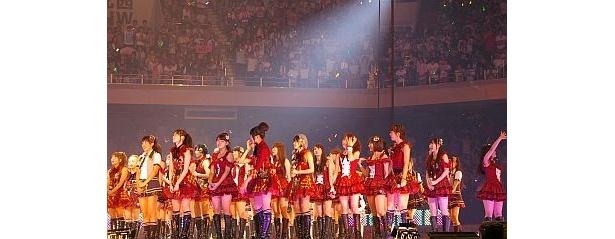 SKB48&SKE48&NMB48が集結した華やかなステージ!