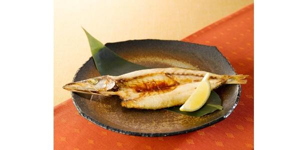 魚に含まれるDHA・EPAはアレルギー症状を緩和する効果が期待できる。「銚子産かますの一夜干し」(880円)/シダックス