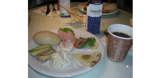 来賓者などにふるまわれたスウェーデン式の朝食。中でも、サーモンのマリネは絶品!