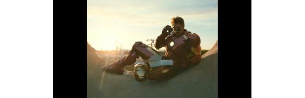 『アイアンマン2』(10)の小道具や衣装がオークションに
