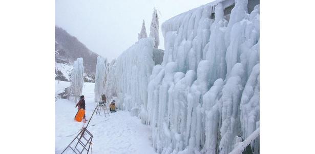 高さ10mもある氷ばく