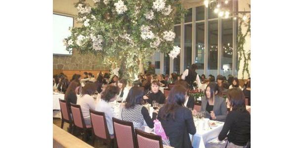「ワインアベニュー」が開催するイベントにも100人の女性が集まった