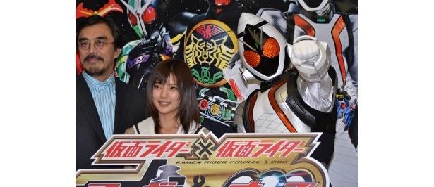 仮面ライダーフォーゼと共に登壇した真野恵里菜が作品に込めた熱い思いを語った