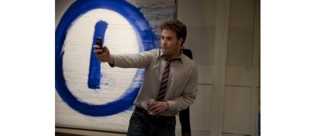 セス・ローゲン演じるカイルは主人公アダムの親友