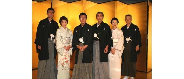 豪華キャストがそろい、東京の下町を舞台にしたヒューマンドラマが展開される