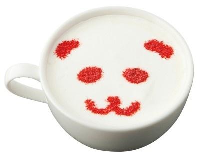 「アップカフェ」の「パンダ苺ミルク珈琲」(Sサイズ400円 Mサイズ450円 Lサイズ500円)