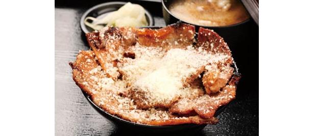 これが東京限定のトムチーズかけホエー豚丼だ!