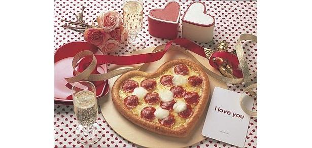 """【画像】宅配ピザチェーンのドミノ・ピザが""""恋愛のパワスポ""""を気軽に参拝させてくれるユニークなキャンペーンを実施中だ"""