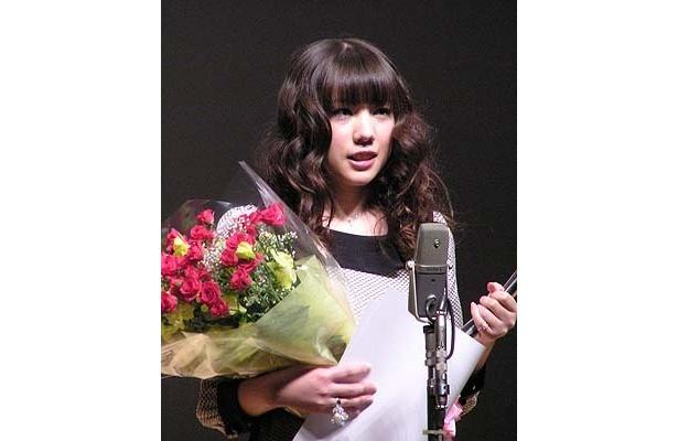 『純喫茶磯辺』でフレッシュな魅力を見せた仲里依紗は最優秀新人賞