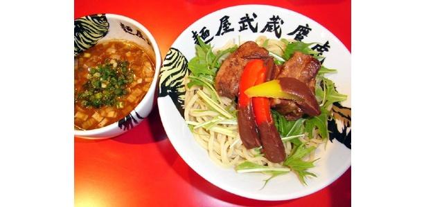 「つけガーナ」は麺屋武蔵 鷹虎(高田馬場)で。チョコをフォンデュしたパプリカがポイント