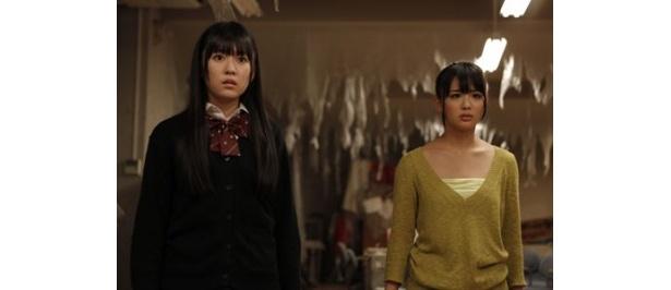 主演を務めるのは渡り廊下走り隊7の多田愛佳と元AKB48の平嶋夏海(右)