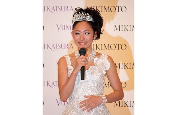 「仕事とプライベートの両立を励ましてくれる男性がいいわよ」と、結婚相手について桂由美さんはアドバイスしていた