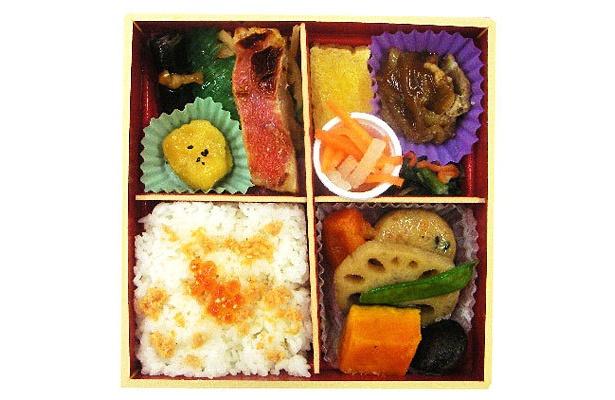 昨年12月に発売された「こだわり彩華御膳」(530円)も低カロリーだった