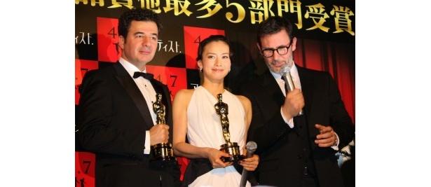 『アーティスト』のプレミアでオスカーを受賞した監督と作曲家、中谷美紀が登壇