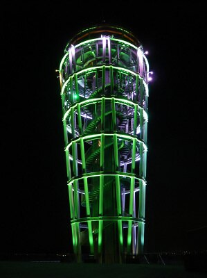 癒されるグリーンのライトアップ