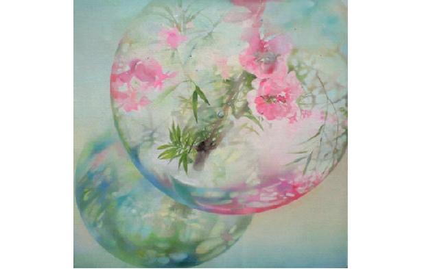 「水沫花」(福島沙由美)水晶のような球体に写しだされた幻想的な都会の風景