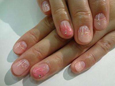 桜の花をイメージするピンク2色を選択。春らしいデザインにしてもらいました!