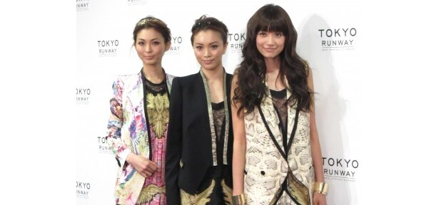 「東京ランウェイ」の会見に出席した押切もえ、蛯原友里、ヨンア(写真左から)