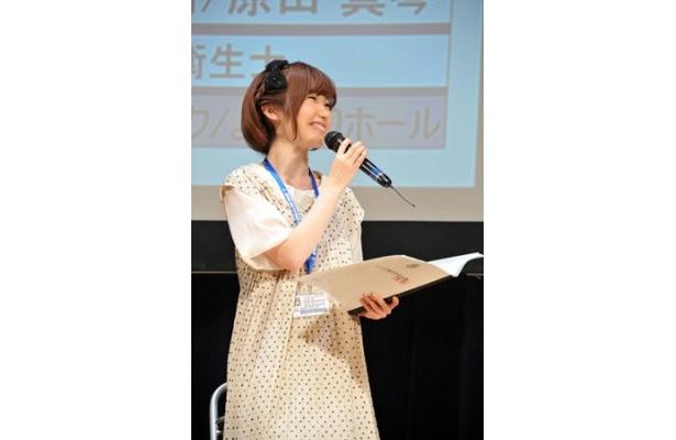 岬の声を担当する内田彩は『ストライクウィッチーズ 劇場版』で新キャラクターの服部静夏を演じている注目株