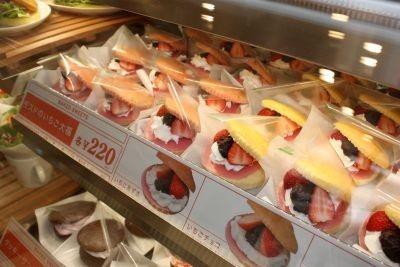 同店のいちご大福は既存の大福とは異なる焼き菓子ベースのスイーツだ