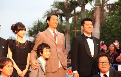 『第4回沖縄国際映画祭』レッドカーペットにEXILE・AKIRAが登場!