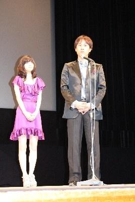 「AKIRAさんの目力と笑顔がすごく役にピッタリ、遼威くんはオーディションの時からずば抜けて光っていた」とベタ褒め
