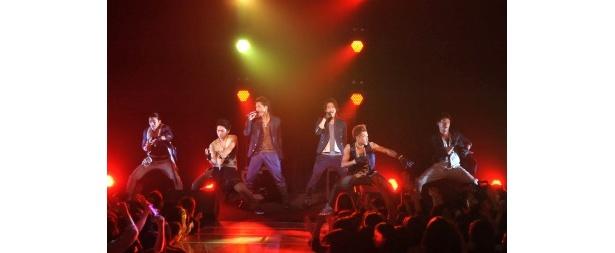 三代目J Soul Brothersは最新曲「Go my way」を含めた全3曲で会場を盛り上げた