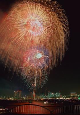 東京湾大華火祭/台場、晴海、豊洲など湾岸一帯が絶景のビュースポット