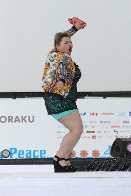【写真】得意のビヨンセダンスで会場を沸かせた渡辺... 【写真】得意のビヨンセダンスで会場を沸か