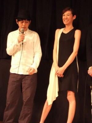 「ハイザイ」舞台あいさつにスネオヘアー&ともさりえが夫婦で登場!