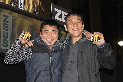 電気グルーヴが、渋谷パルコ前で行われたロッテのガム「ZEUS」の発売イベントに登場