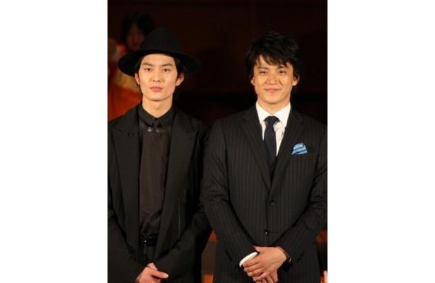 映画「宇宙兄弟」のジャパンプレミアに登場した小栗旬と岡田将生