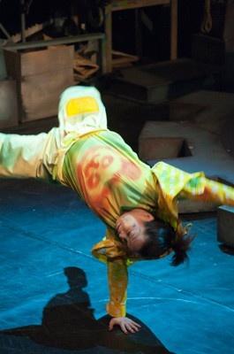舞台と客席が近く大迫力の演技が間近で楽しめる