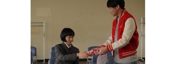 【写真】山本浩司とコンビを組むのは新人女優・椎名琴音