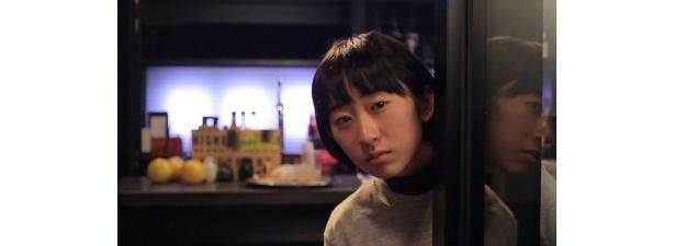 """椎名琴音演じるモモカは、ド素人新人アルバイト""""ゴカンピーチ""""として悪と戦う"""