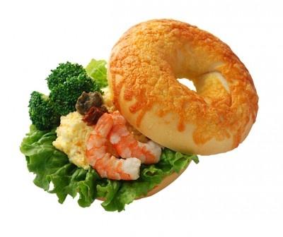 「海老とタマゴのイタリアンサンド(¥420)」。ブロッコリーの食感がアクセント!