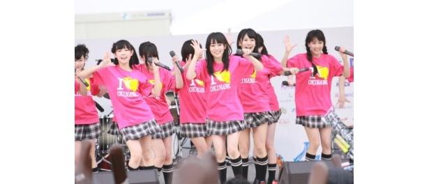 新曲「ナギイチ」を沖縄国際映画祭で初披露したNMB48