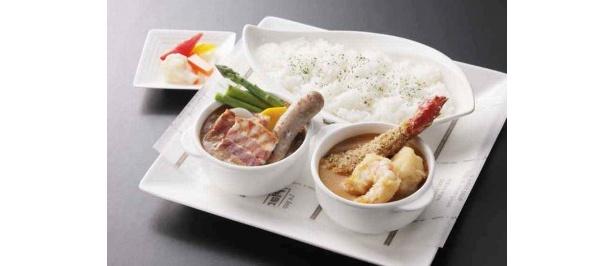 京王プラザホテル札幌   カレーアンサンブル パキスタン風スープカレーとアメリケーヌソースのシーフードカレー¥1,800(スープ、サラダ、コーヒー付、税・サ込)