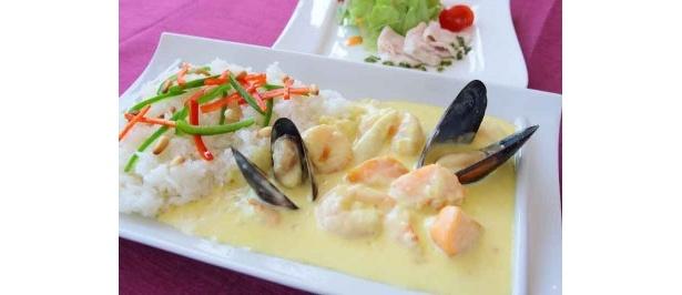 札幌第一ホテル 北海道産魚介のホワイトカレー¥1,400(税・サ込)