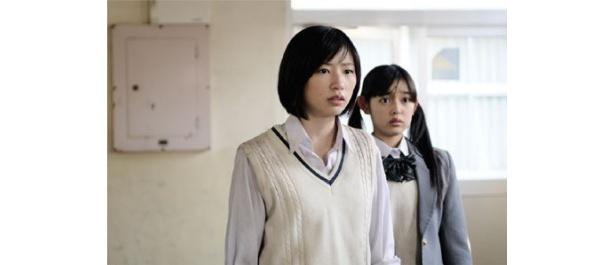 ユイ(右)はツカサを姉のように慕っている(『リアル鬼ごっこ4』)