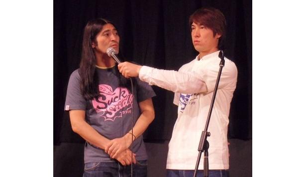 『SuckSeed』舞台あいさつに登場したハイキングウォーキングの2人