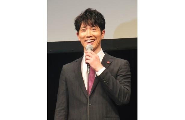 安積剛志役の佐々木蔵之介は「楽しく撮影をしています」と笑顔で語る