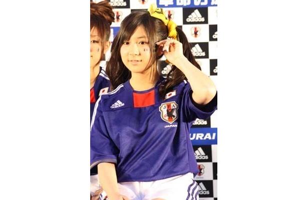 AKB48在籍中に、サッカー国際親善試合のパブリックビューイングに登場した際のえれぴょん