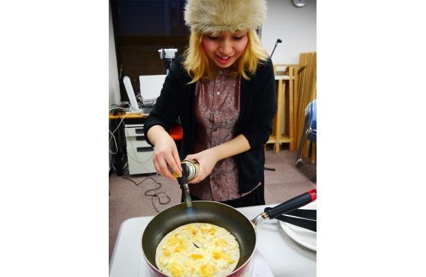 懇親会では、フードクリエイターaroaさんの料理を堪能しました