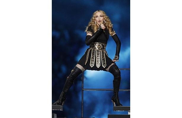最新アルバム「MDNA」が全英チャートで1位を獲得したマドンナ