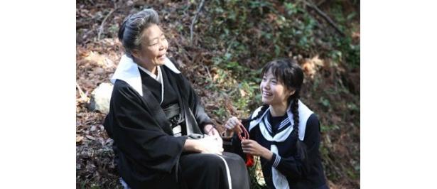 【写真を見る】劇中では宮崎あおいのセーラー服姿も見られる