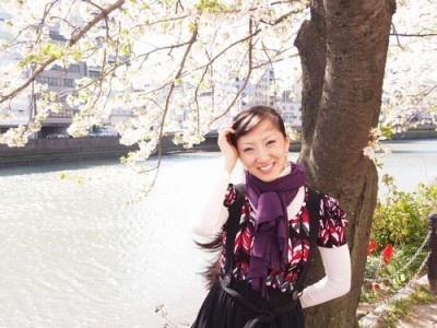 2012年秋公開の映画「ワッゲン・オッゲン」で日本映画界デビュー。